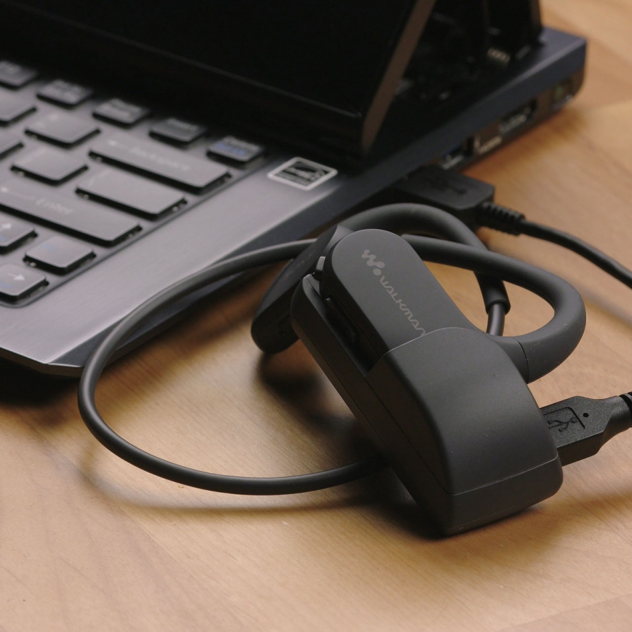 sony-nw-ws413-unboxing-pic3.jpg