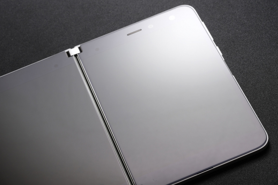 microsoft-surface-duo-unboxing-pic11.jpg