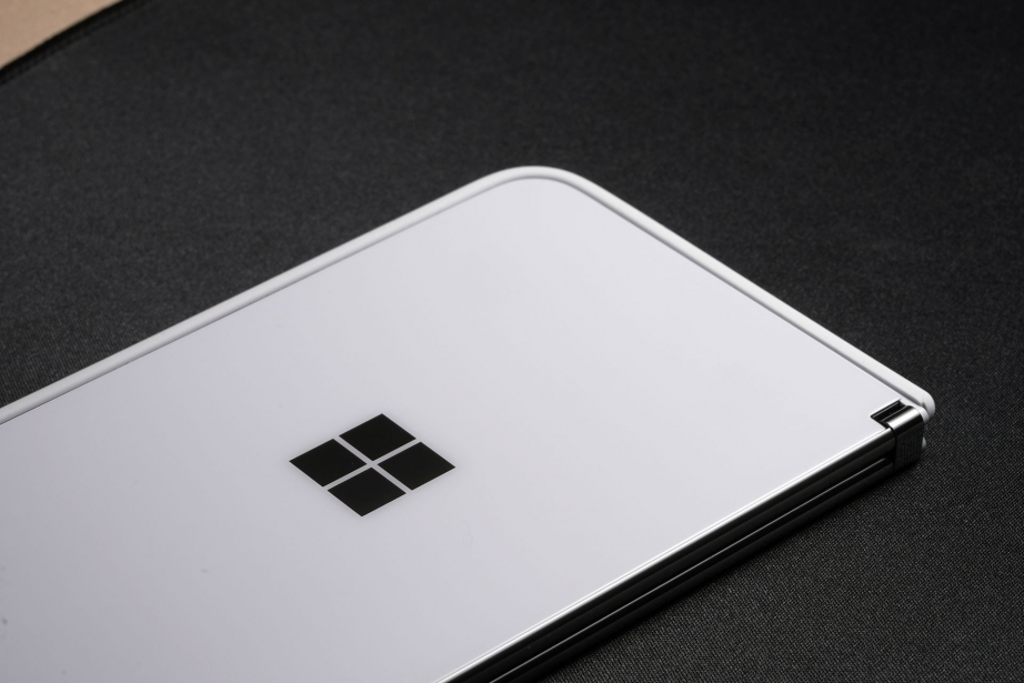 microsoft-surface-duo-unboxing-pic4.jpg
