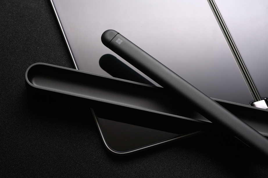 microsoft-surface-duo-unboxing-pic1.jpg