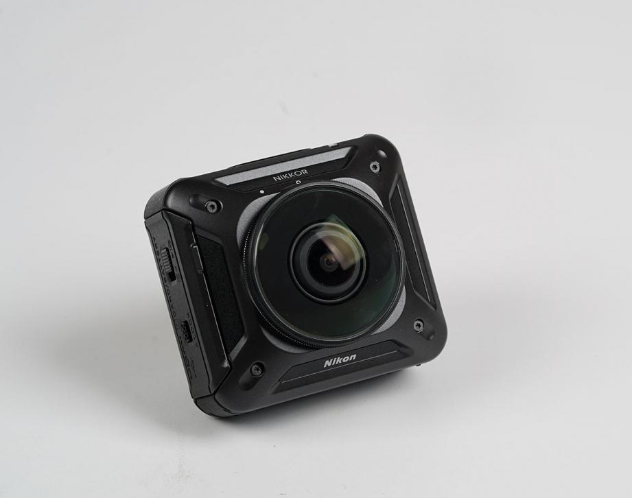 nikon-keymission-360-unboxing-pic4.jpg