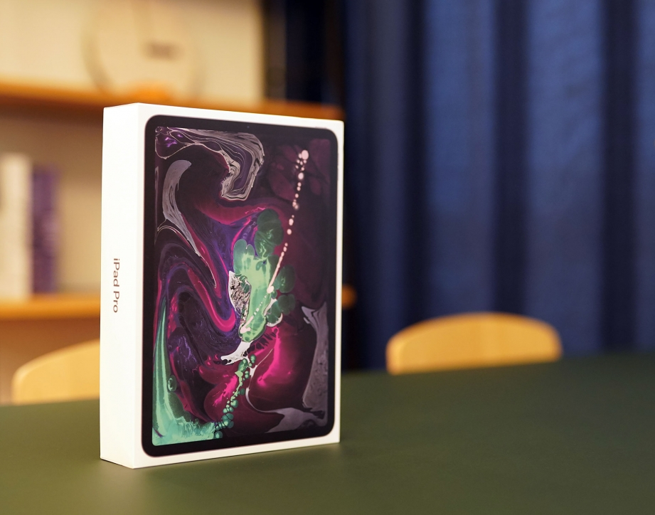 apple-ipad-pro-11-unboxing-pic1.jpg