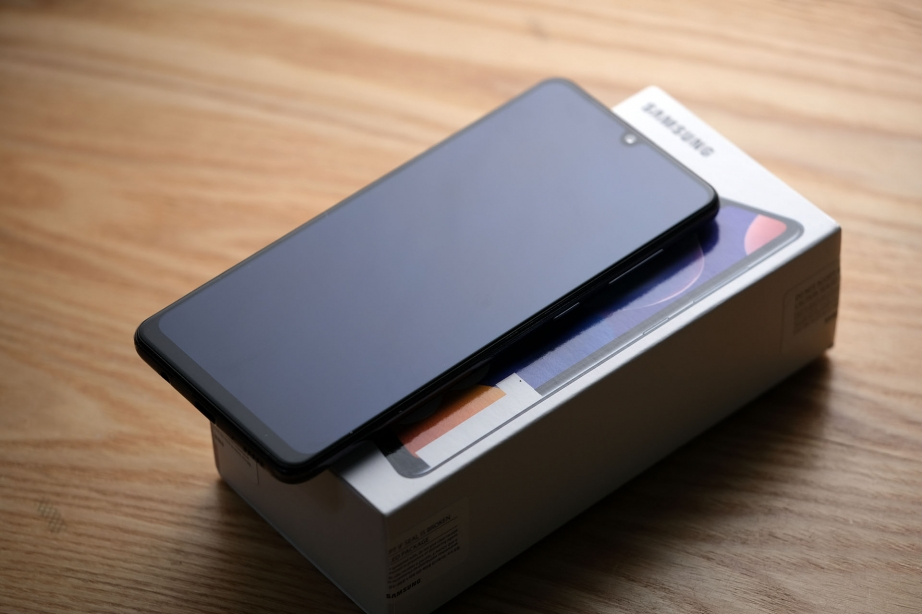 samsung-galaxy-a31-unboxing-pic1.jpg