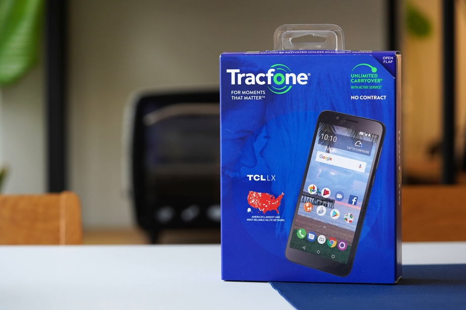 tcl-lx-unboxing-pic5.jpg