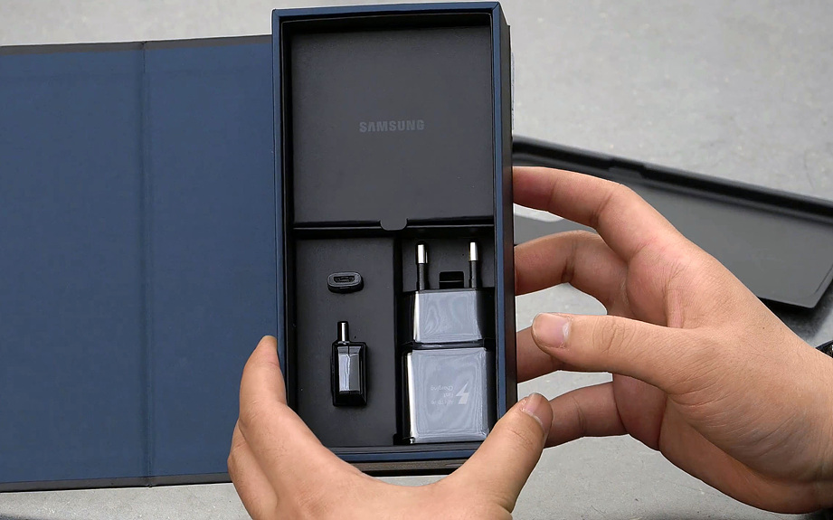 samsung-galaxy-s8-unboxing-pic4.jpg