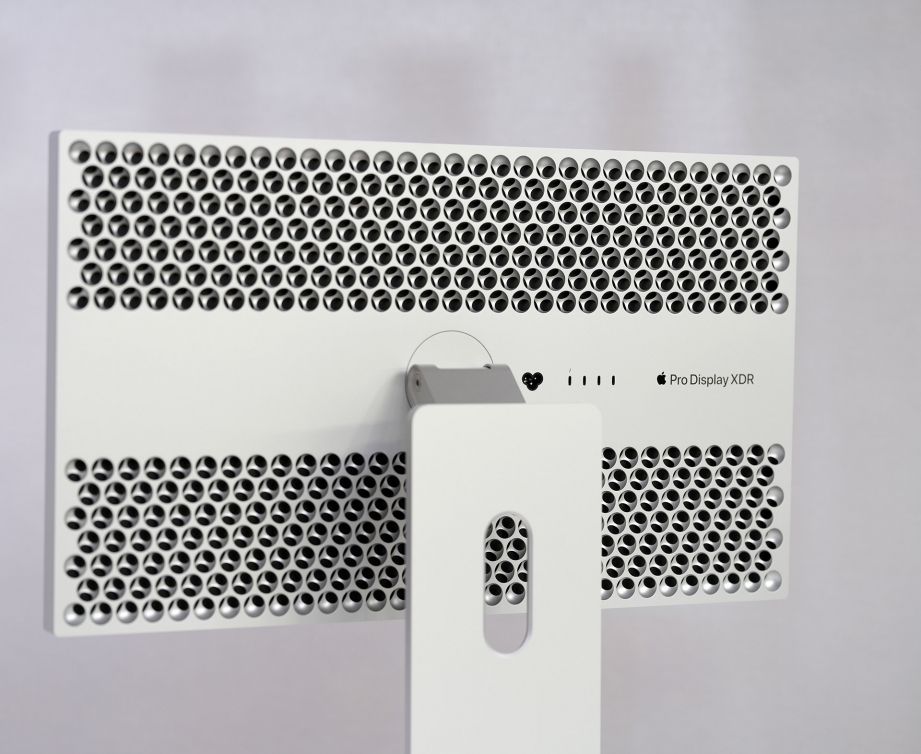 apple-pro-display-xdr-unboxing-pic5.jpg