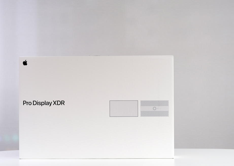 apple-pro-display-xdr-unboxing-pic1.jpg