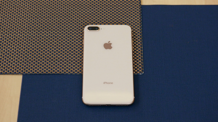 apple-iphone-8-plus-unboxing-pic13.jpg