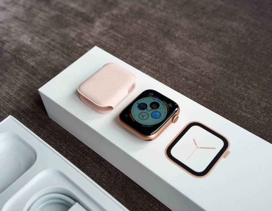 apple-watch-series-4-unboxing-pic5.jpg