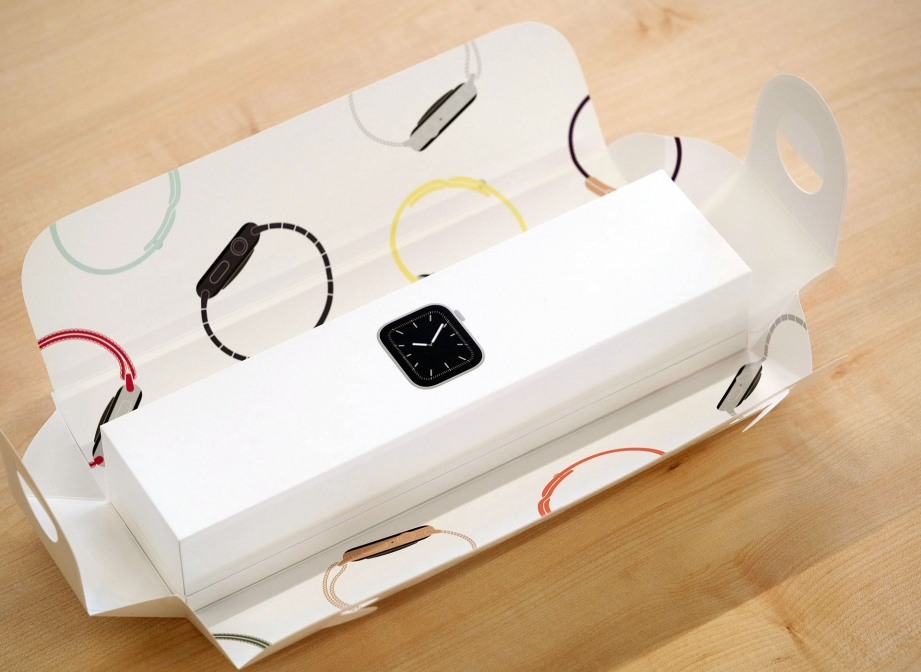 apple-watch-series-5-unboxing-pic3.jpg