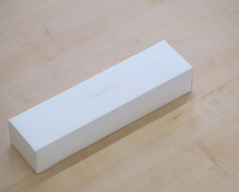 apple-watch-series-5-unboxing-pic1.jpg