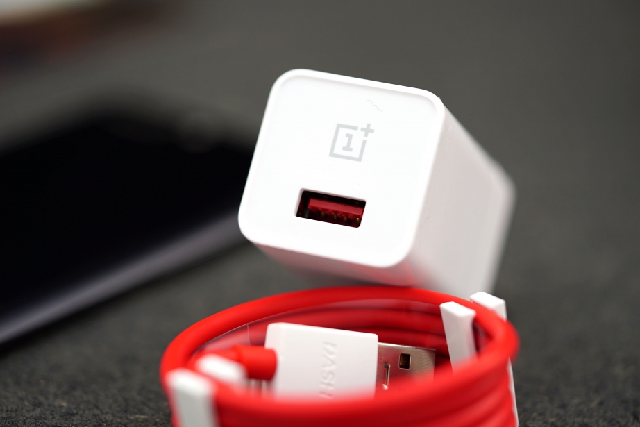 oneplus-5-unboxing-pic5.jpg