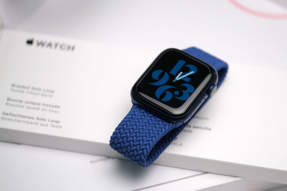 apple-watch-series-6-unboxing-pic4.jpg