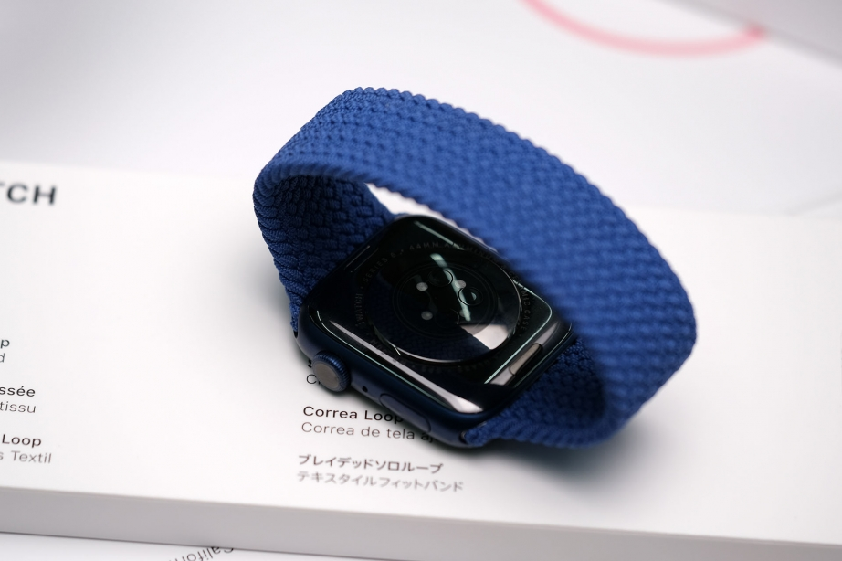 apple-watch-series-6-unboxing-pic5.jpg