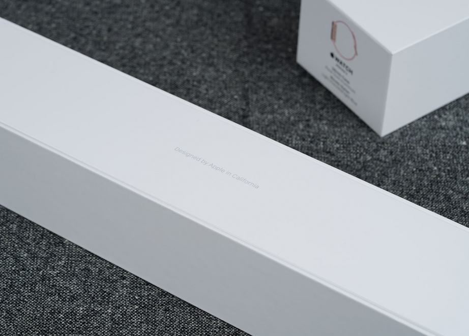 apple-watch-series-2-unboxing-pic2.jpg