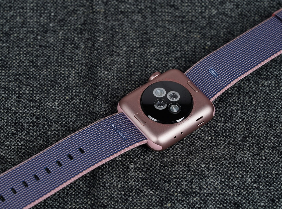 apple-watch-series-2-unboxing-pic7.jpg