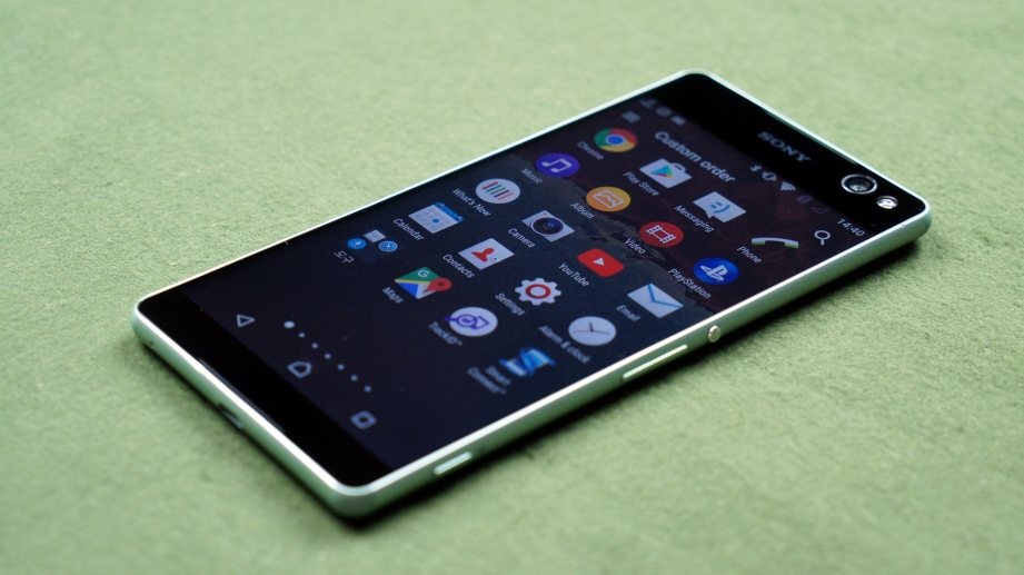 sony-xperia-c5-ultra-unboxing-pic1.jpg