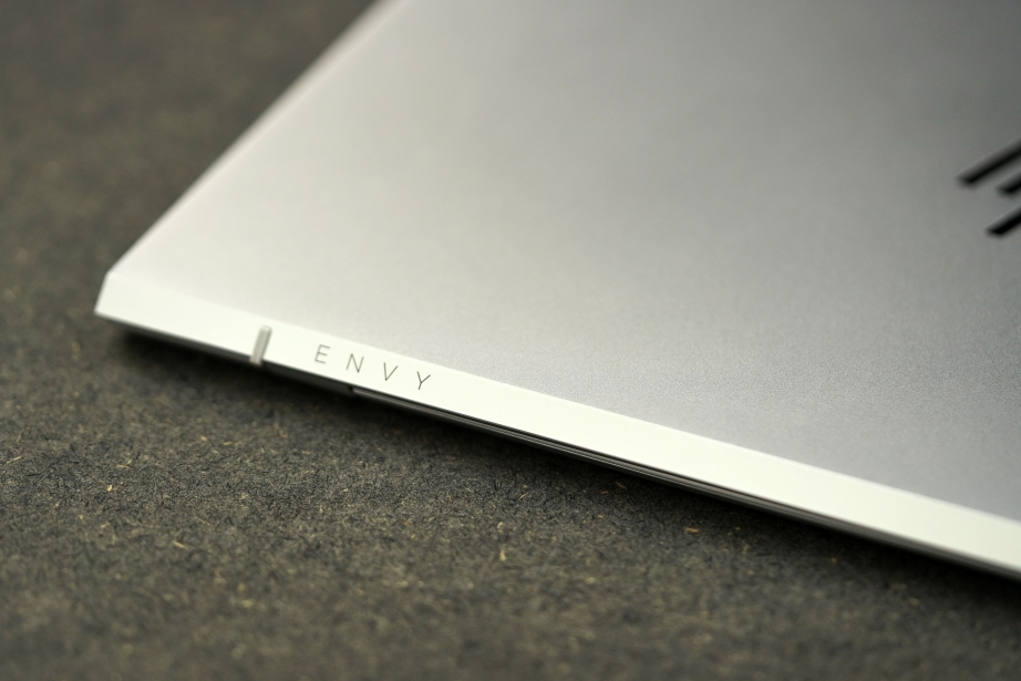 hp-envy-13-unboxing-pic9.jpg