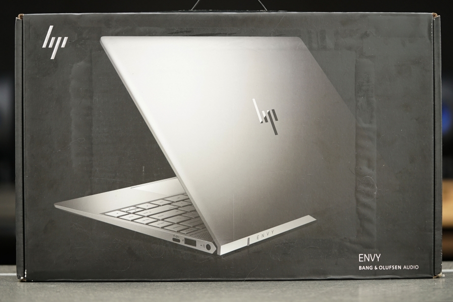 hp-envy-13-unboxing-pic1.jpg