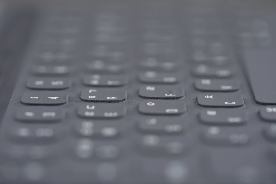 apple-smart-keyboard-for-ipad-pro-105-unboxing-pic6.jpg