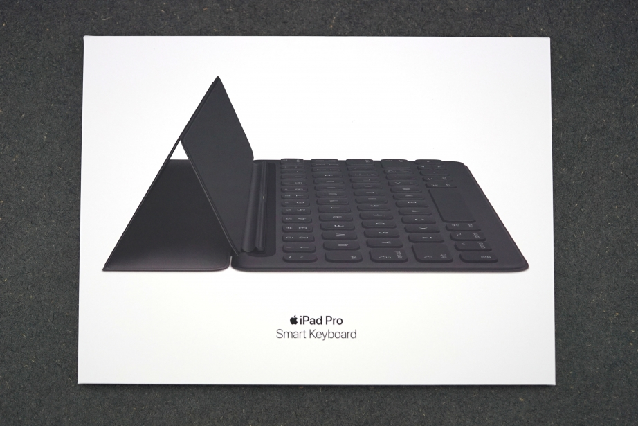 apple-smart-keyboard-for-ipad-pro-105-unboxing-pic1.jpg