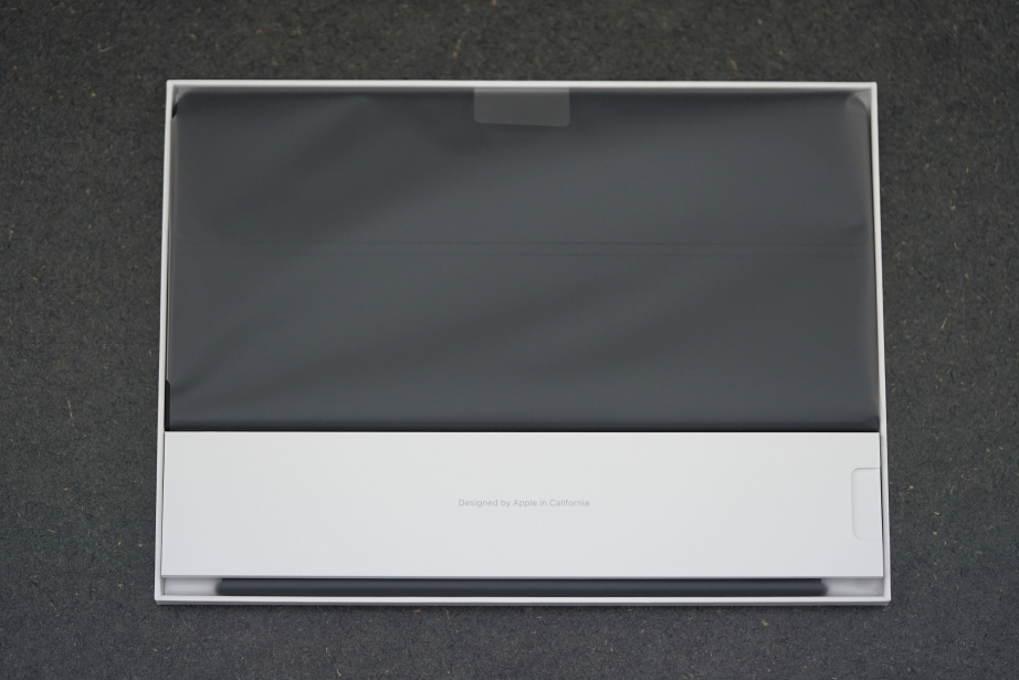 apple-smart-keyboard-for-ipad-pro-105-unboxing-pic3.jpg