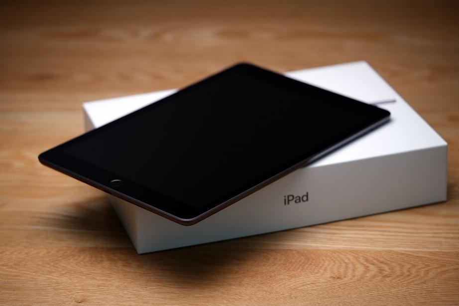 apple-ipad-gen8-unboxing-pic3.jpg
