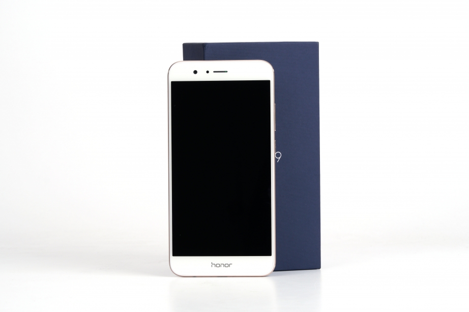 huawei-honor-8-pro-unboxing-pic3.jpg