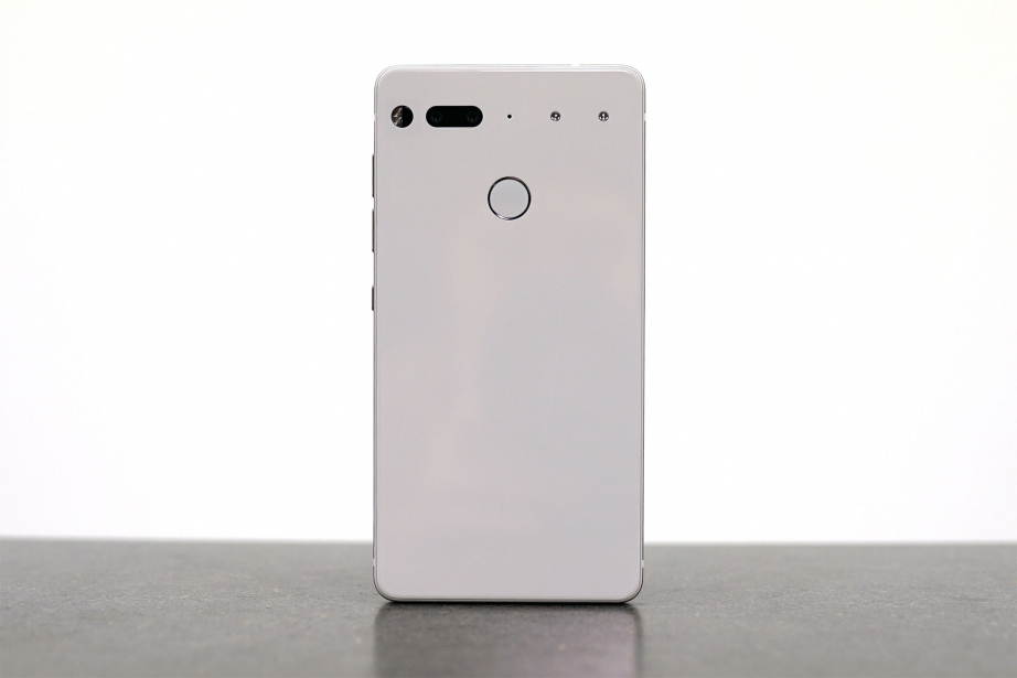 essential-products-essential-phone-unboxing-pic6.jpg