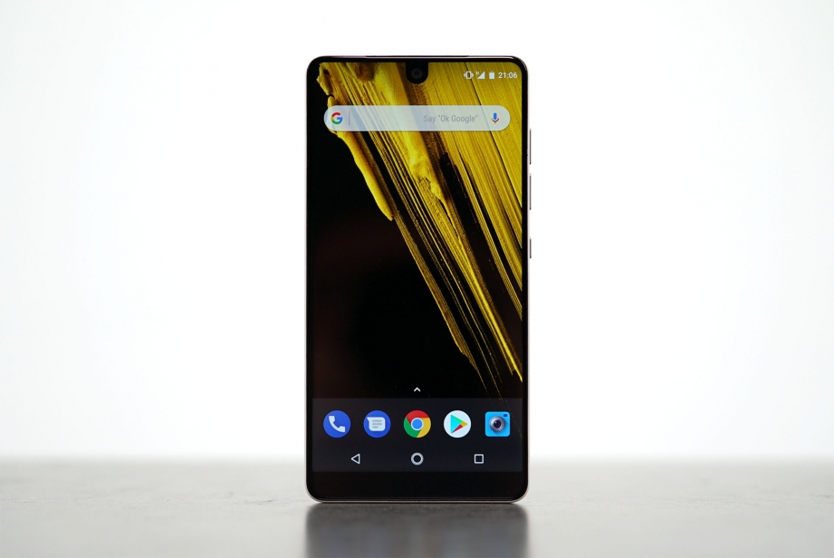 essential-products-essential-phone-unboxing-pic5.jpg