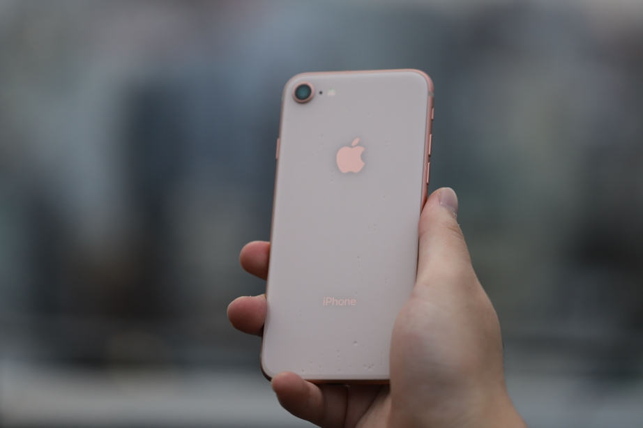 apple-iphone-8-unboxing-pic11.jpg