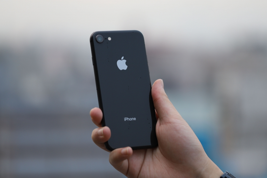 apple-iphone-8-unboxing-pic12.jpg