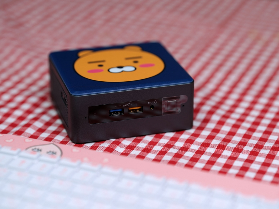 intel-nuc-kakao-edition-unboxing-pic8.jpg