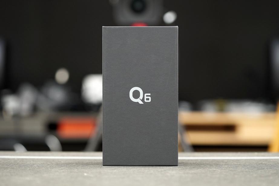 lg-q6-unboxing-pic1.jpg