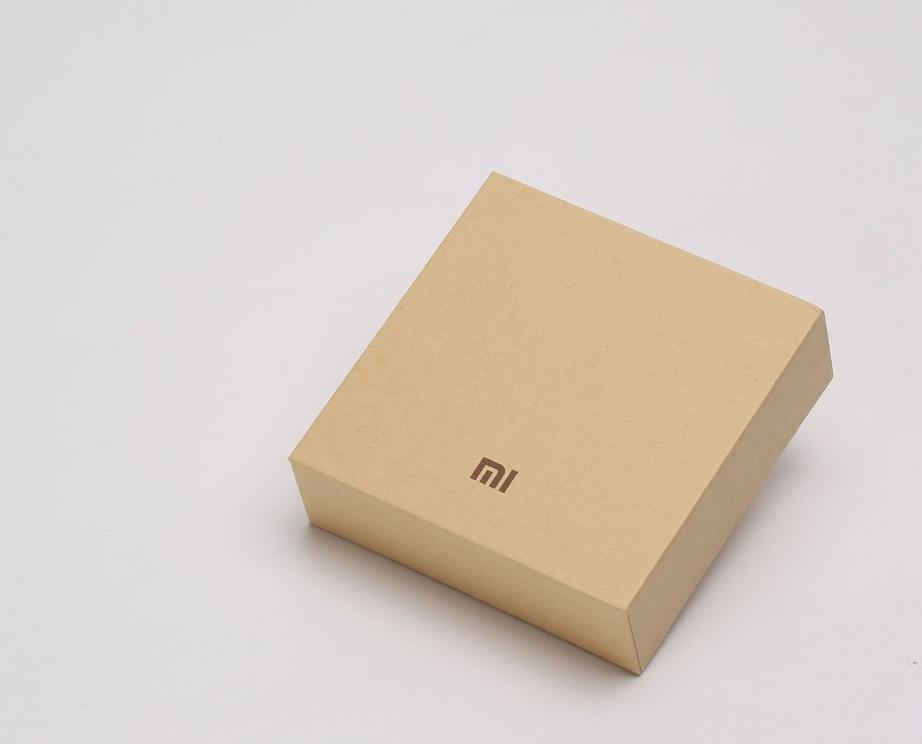 xiaomi-mi-band-2-unboxing-pic1.jpg