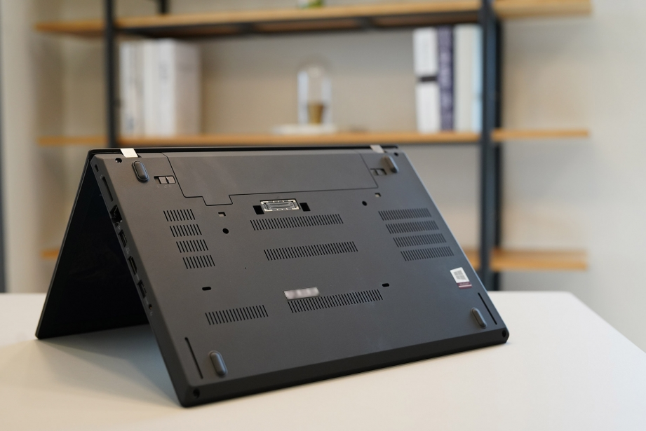 lenovo-thinkpad-25-unboxing-pic8.jpg