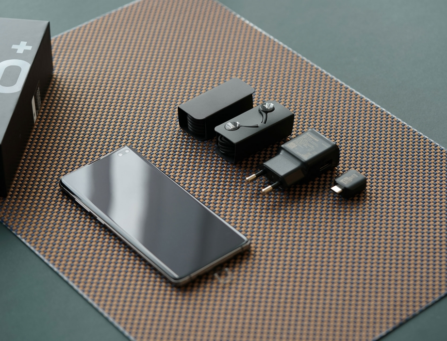 samsung-galaxy-s10-s10-plus-unboxing-pic3.jpg