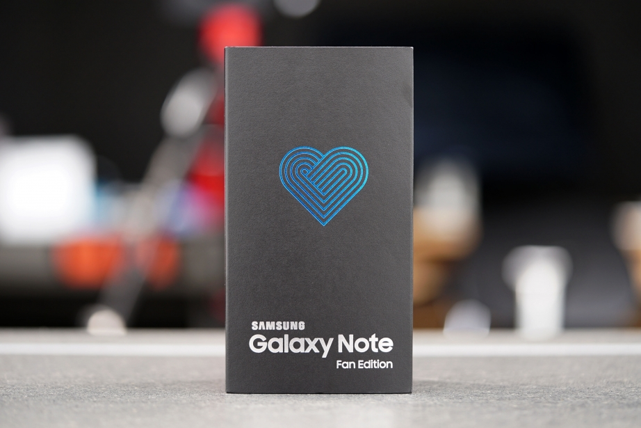 samsung-galaxy-note-fe-unboxing-pic1.jpg
