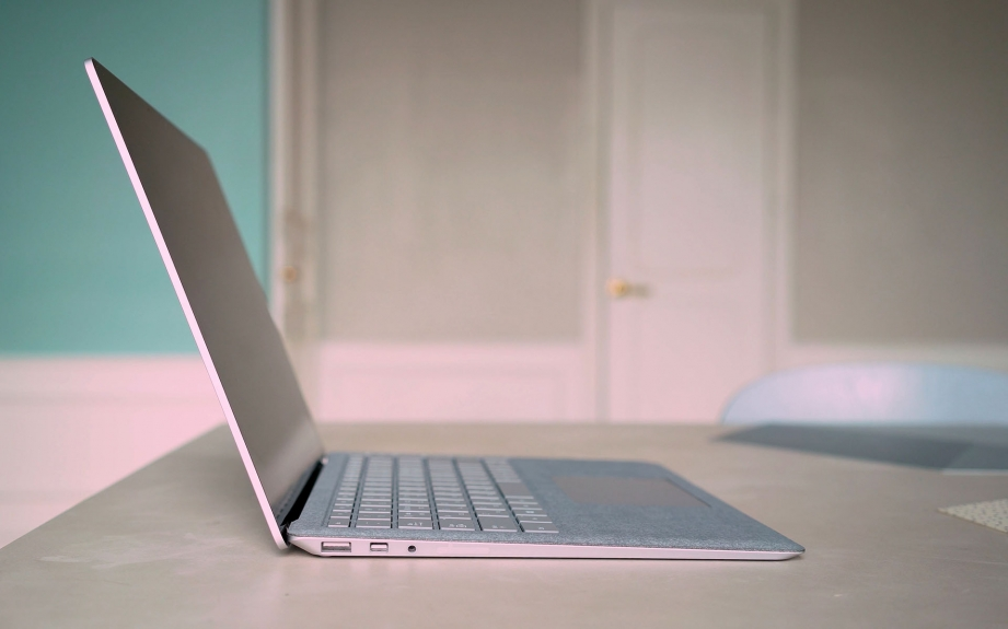 microsoft-surface-laptop-unboxing-pic7.jpg