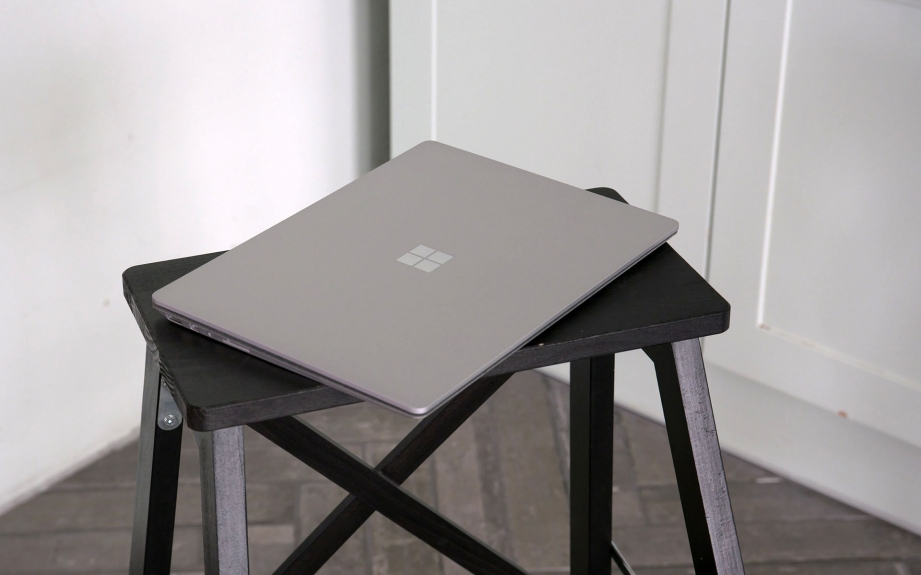 microsoft-surface-laptop-unboxing-pic1.jpg
