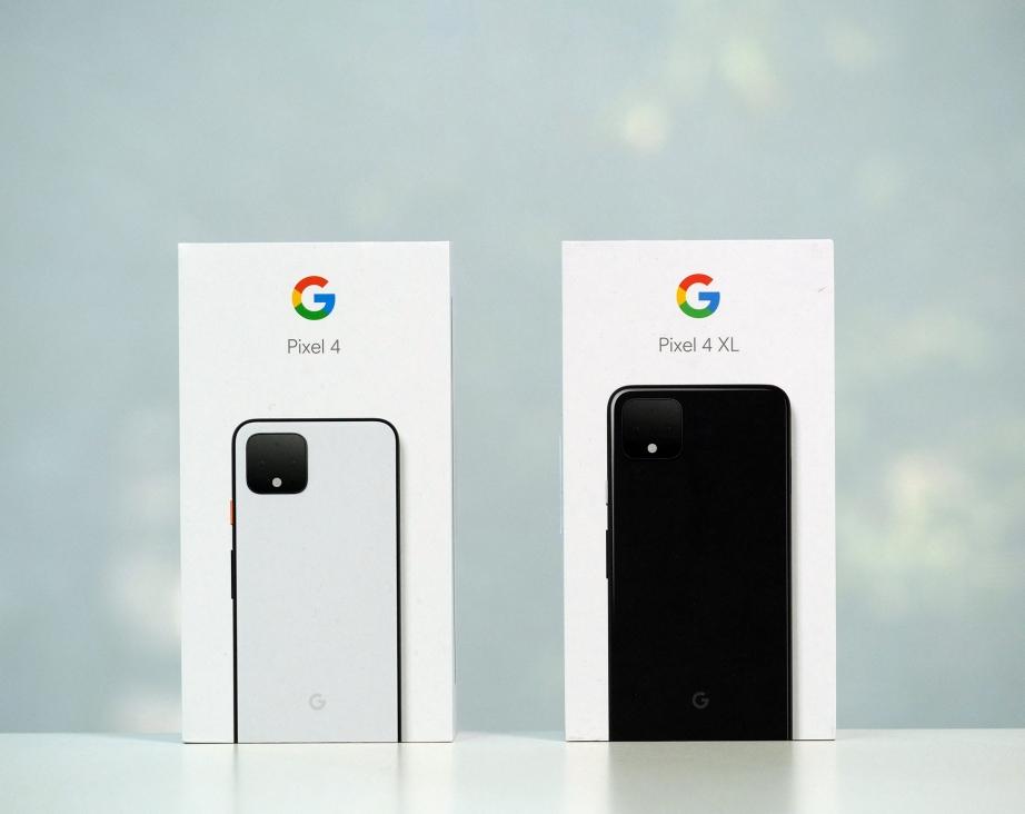 google-pixel-4-4-xl-unboxing-pic1.jpg