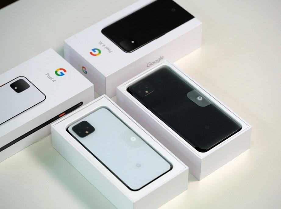 google-pixel-4-4-xl-unboxing-pic3.jpg
