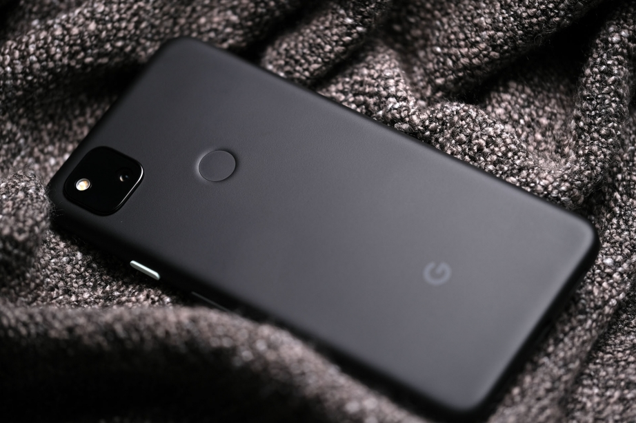 google-pixel-4a-unboxing-pic11.jpg