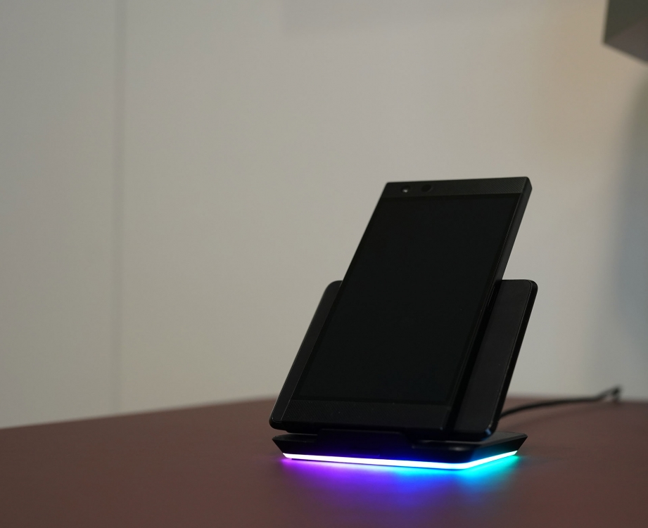 razer-phone-2-unboxing-pic7.jpg