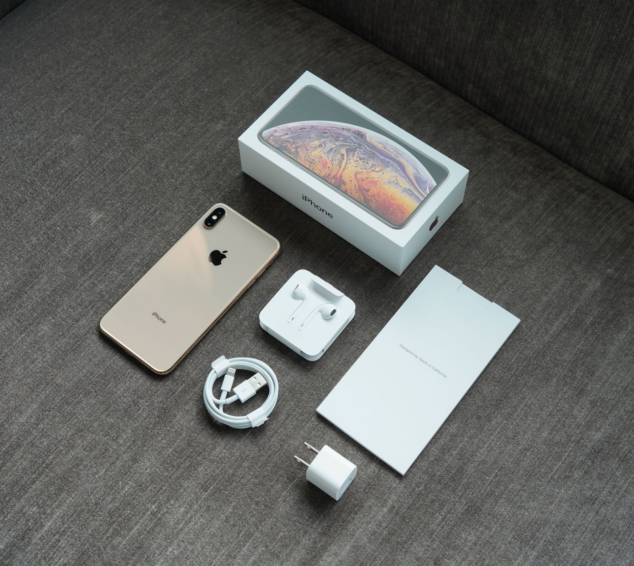 apple-iphone-xs-max-unboxing-pic2.jpg