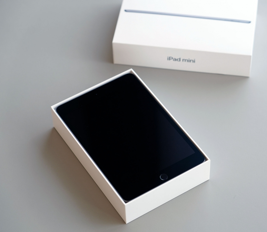 apple-ipad-mini-gen5-unboxing-pic2.jpg