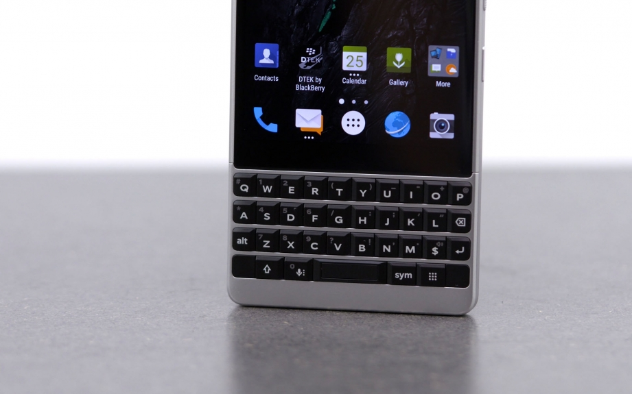 blackberry-key2-unboxing-pic6.jpg