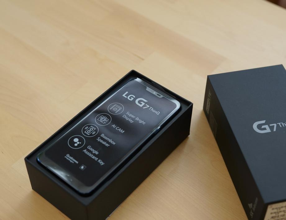 lg-g7-thinq-unboxing-pic2.jpg