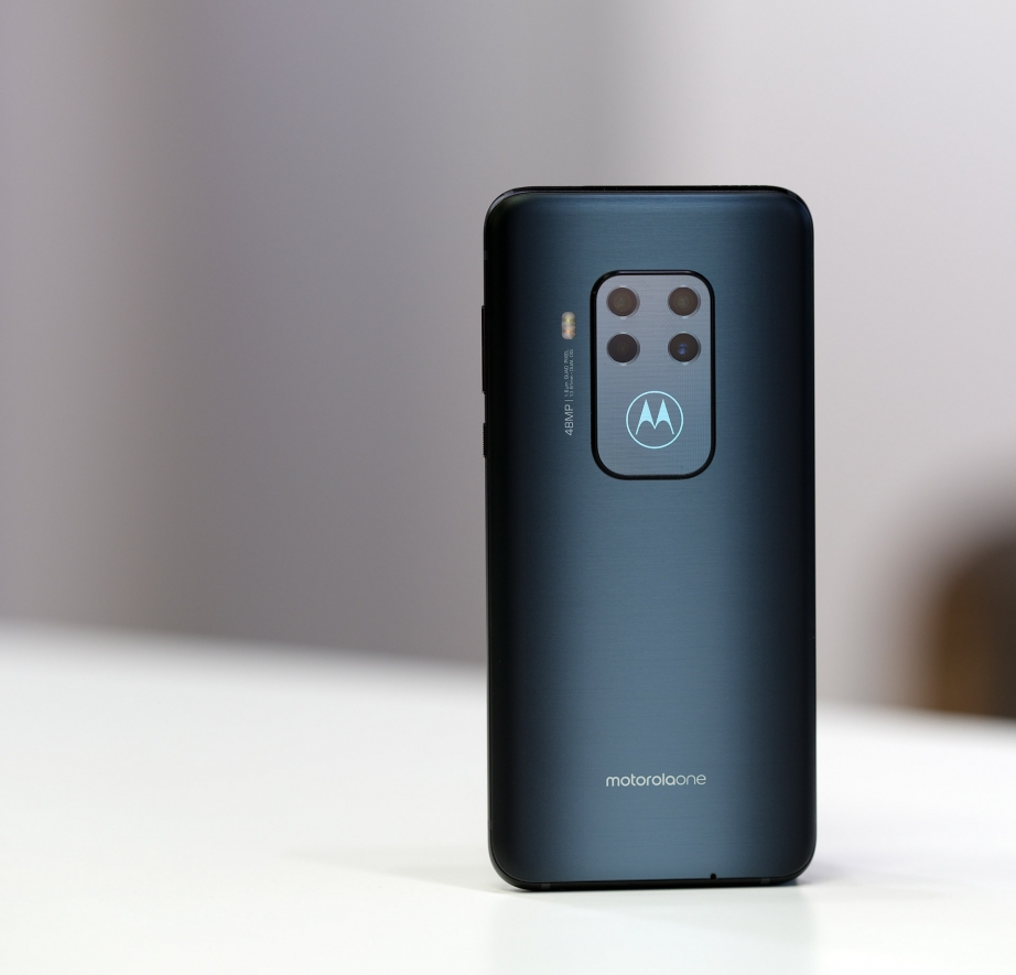 motorola-one-zoom-unboxing-pic4.jpg