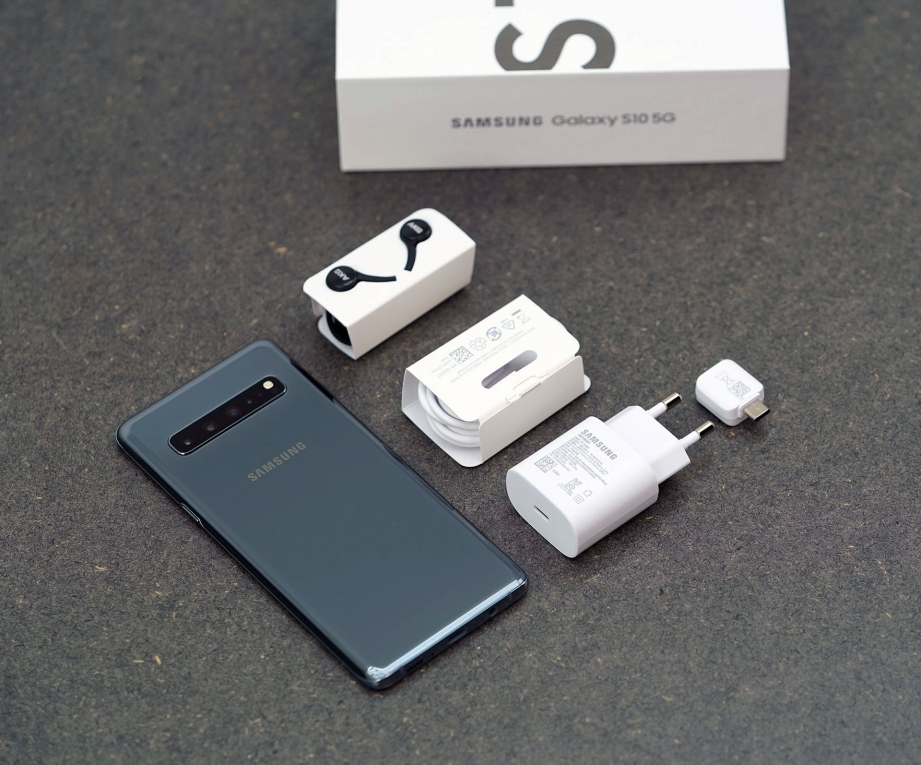 samsung-galaxy-s10-5g-unboxing-pic3.jpg